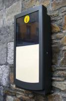 Kiosco Multimedia - SERIE BC-3500 - Kiosco diseñado para instalaciones en las que el riesgo de vandalismo sea alto. Herramienta multimedia idónea para colocación en paredes o sobre el suelo. Desarrollado para uso en interiores o exteriores.